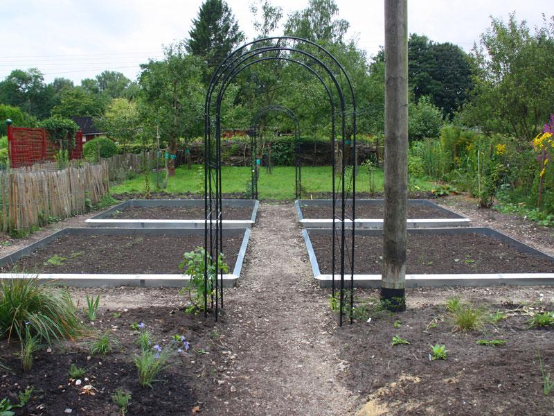 lory naturgarten galerie ein garten entwickelt sich 2012. Black Bedroom Furniture Sets. Home Design Ideas